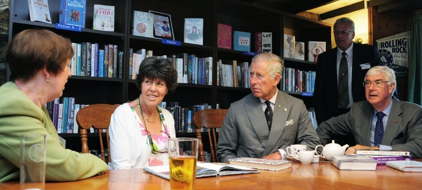 HRH The Prince of Wales talks to library members_Falmouth Arms